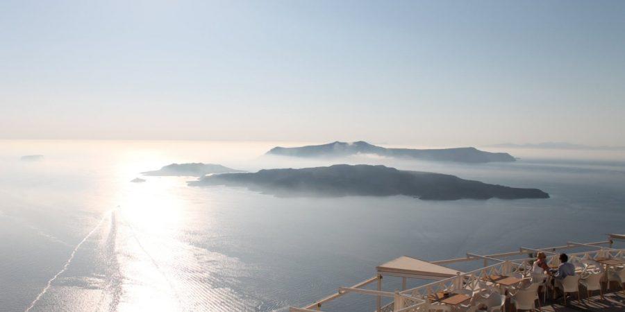 Aperitivo a Santorini