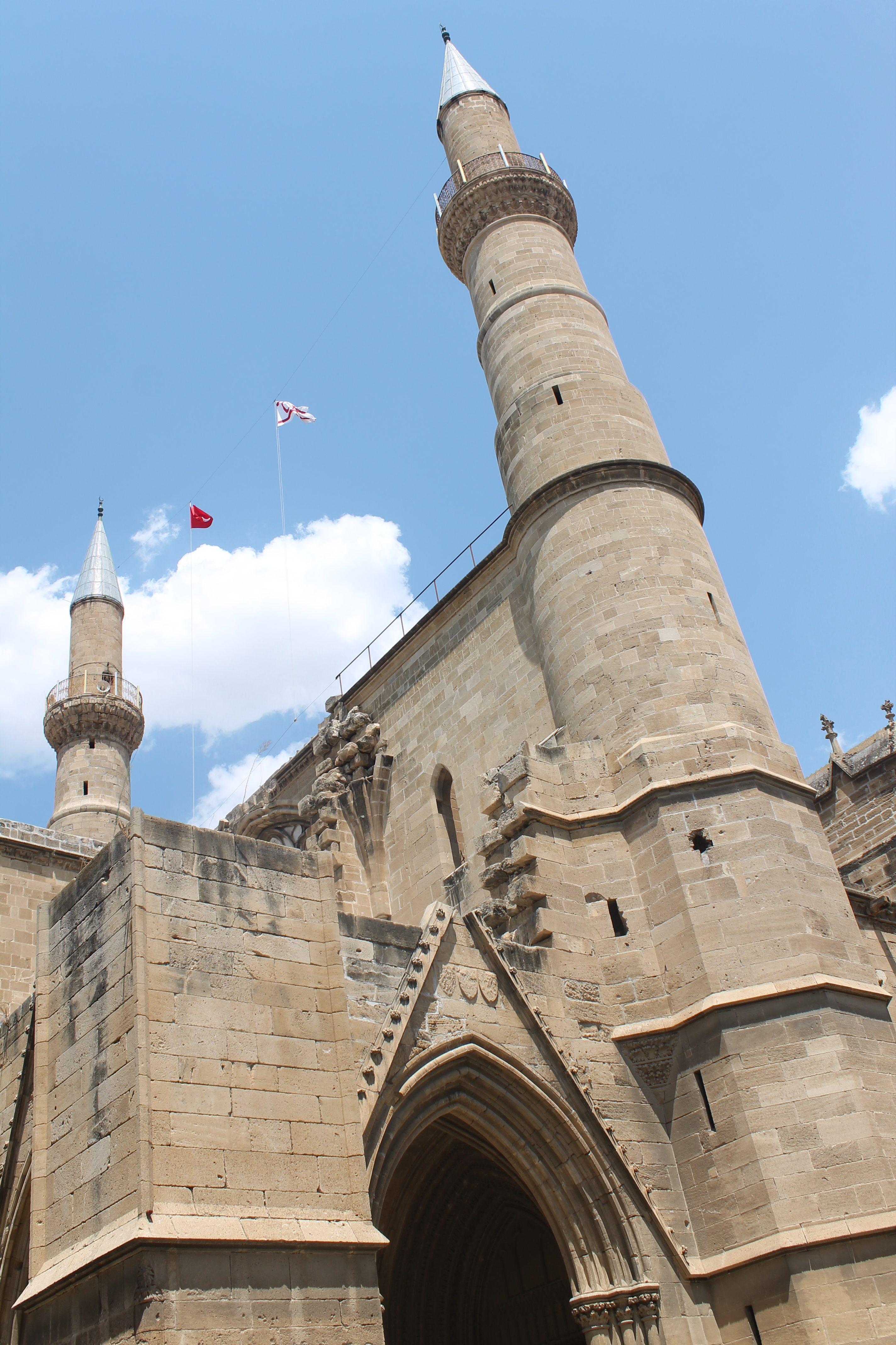 Cosa vedere a Nicosia in un giorno ph. @poshbackpackers la moschea