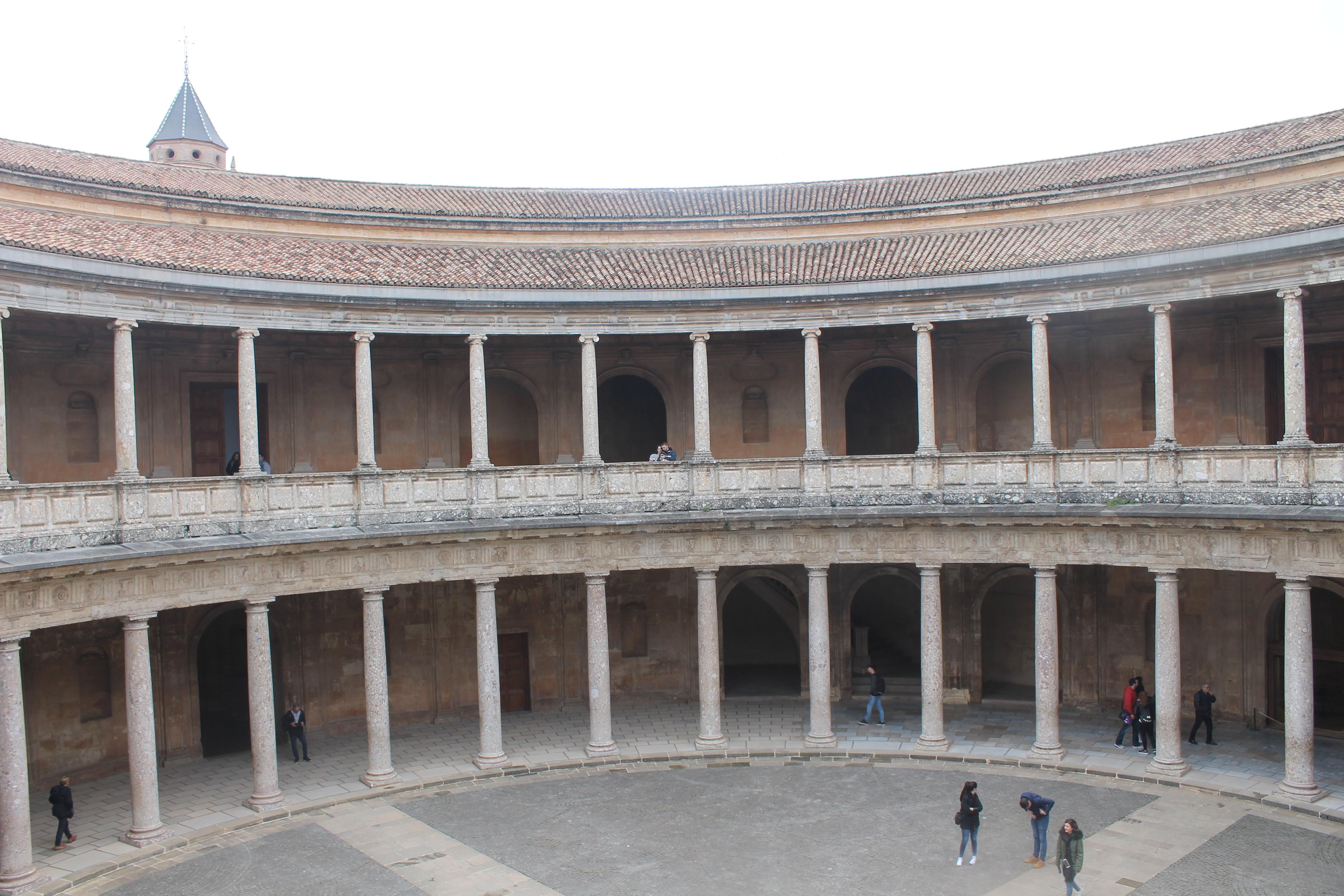 Visitare l'Alhambra a Granada - palazzo carlo V