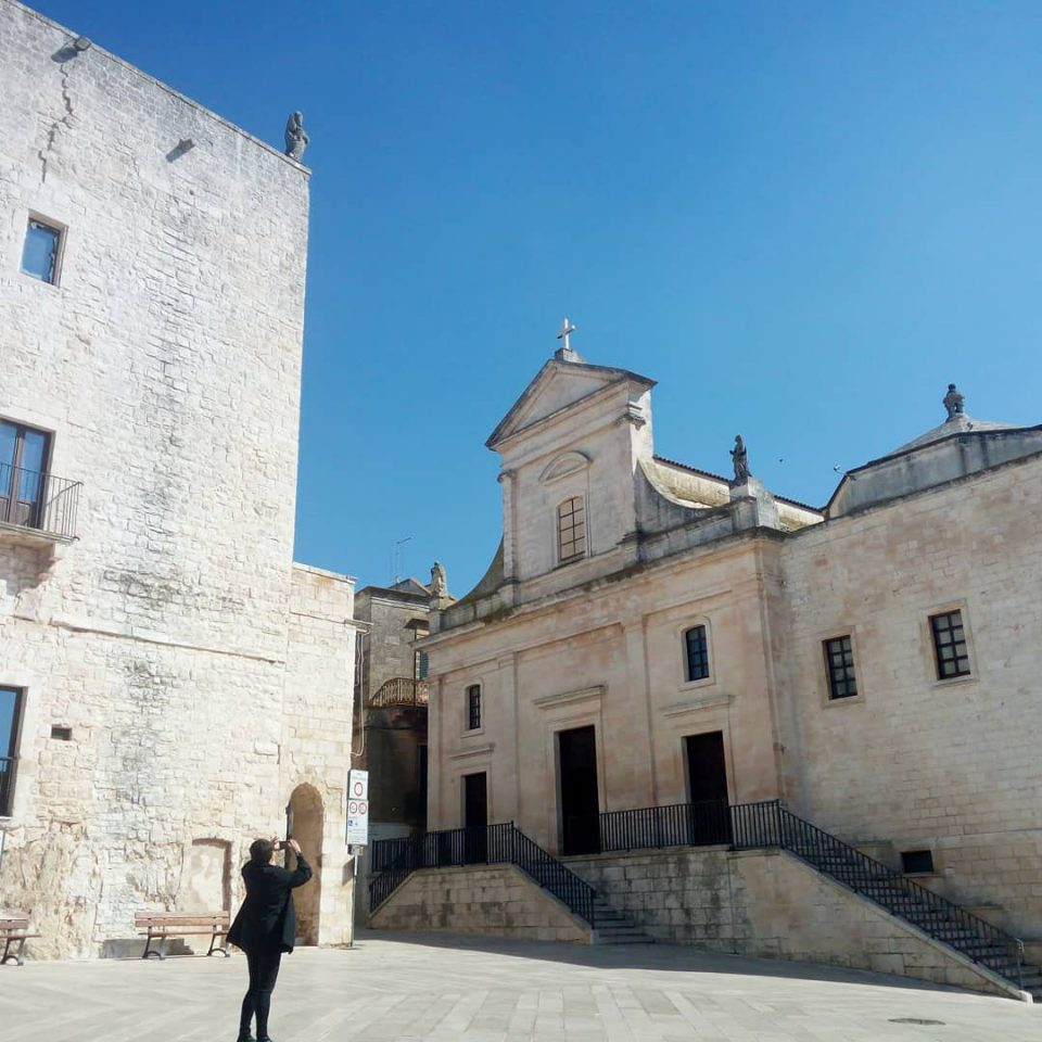 Chiesa Madre e la torre Civica, Cisternino  @posh_backpackers   visitare cisternino puglia