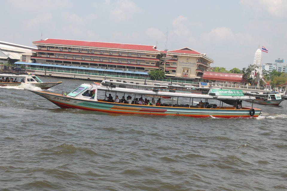 Spostarsi sul fiume a Bangkok
