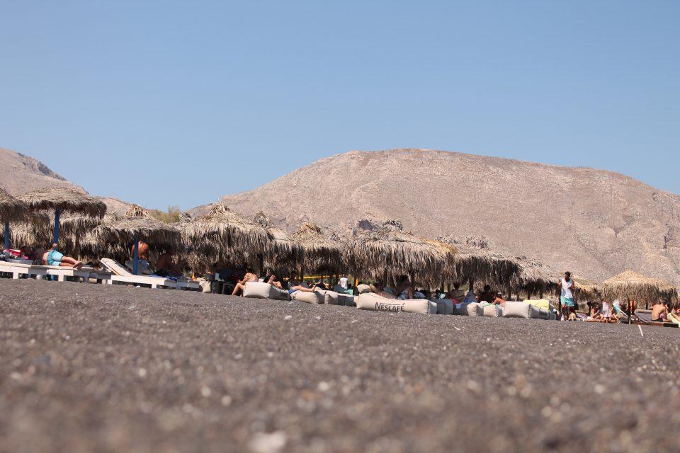 Spiaggia Nera, cose da non perdere a Santorini