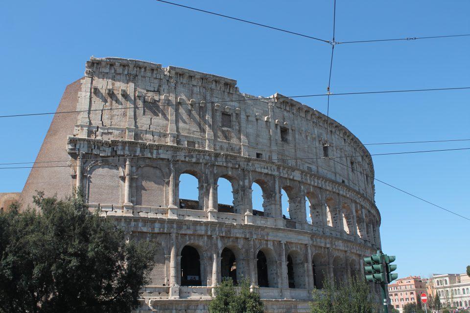 Il colosseo - dall'aeroporto al centro di Roma
