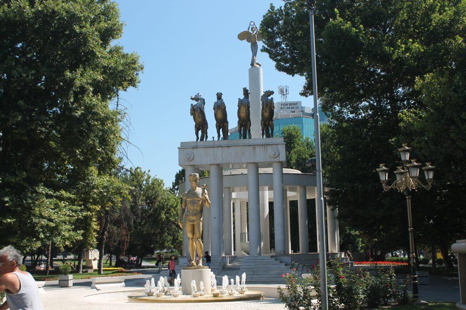 Monumento all'indipendenza, Skopje