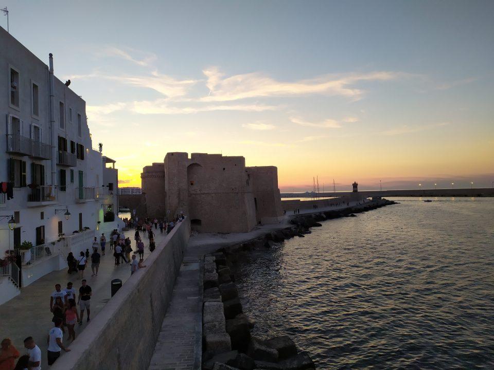 Puglia, visitare Monopoli Il castello Carlo V