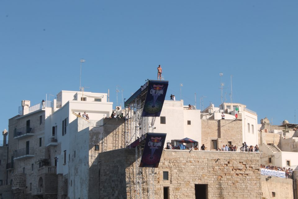 Polignano a mare, Red Bull cliff diving ph. @poshbackpackers