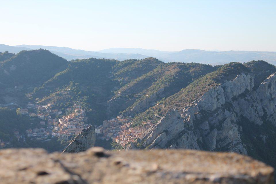 Vista dal Castello di Pietrapertosa ph. @poshbackpackers