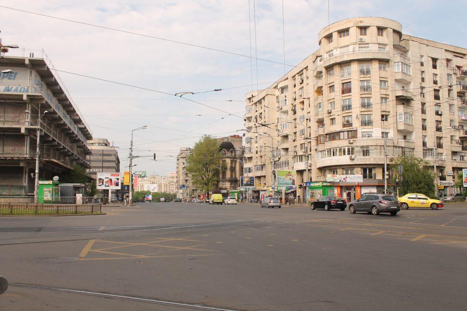 Una strada di Bucarest ph. @poshbackpackers