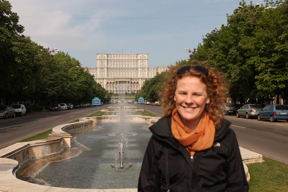 Visita al Palazzo presidenziale di Bucarest ph- @poshbackpackers