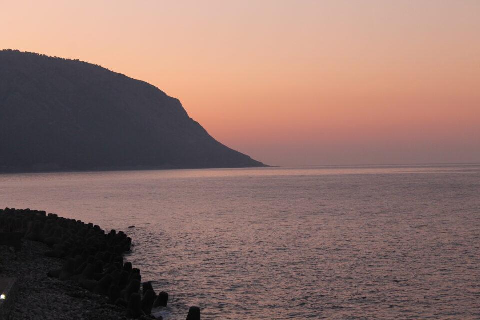 L'alba, Agia Roumeli @poshbackpackers