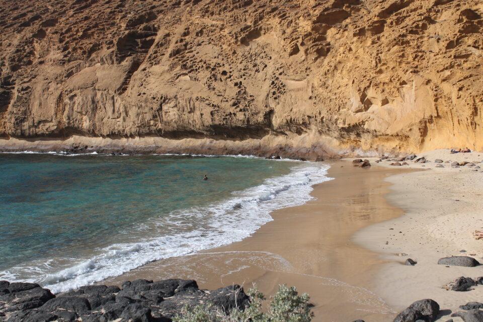La Graciosa Canarie Playa La Cocina ph. @poshbackpackers