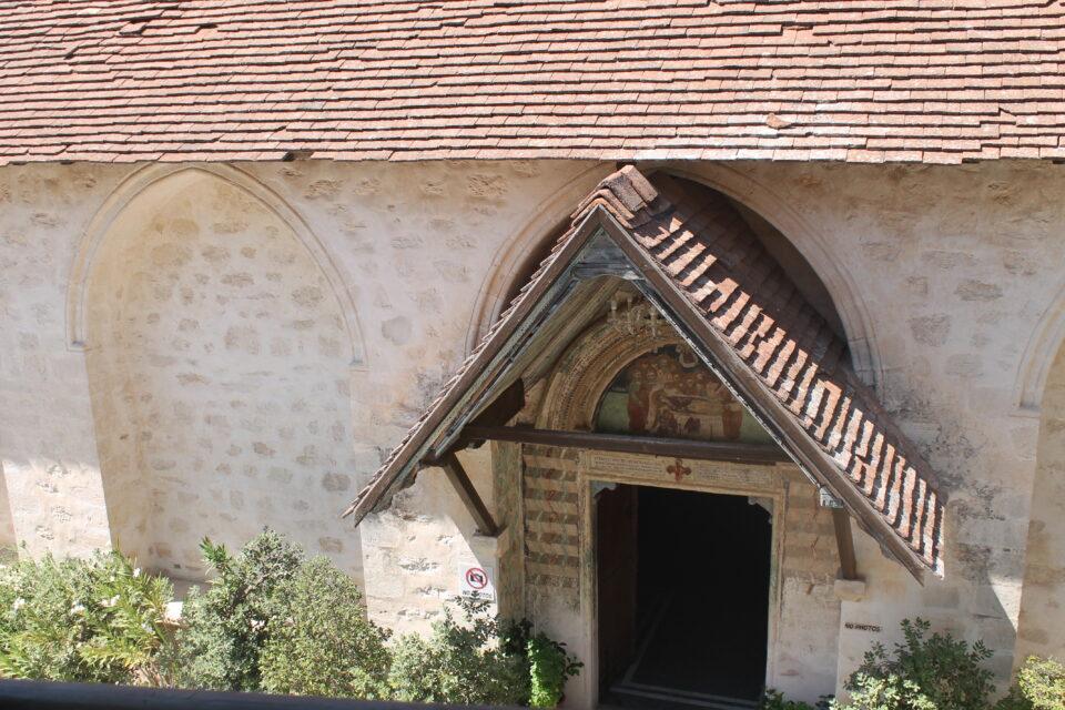 monastero di Chrysorrogiatissa Panagia ph. @poshbackpackers