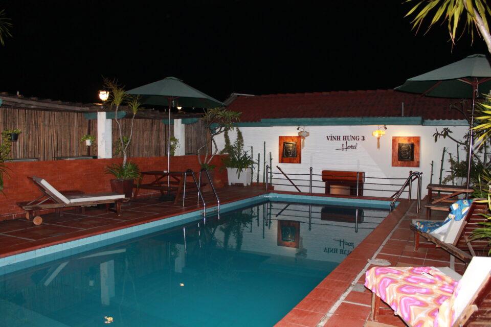 La piscina del nostro hotel a Hoi An ph. @poshbackpackers