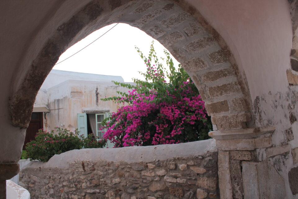 Angoli della Chora, Naxos ph. @poshbackpackers