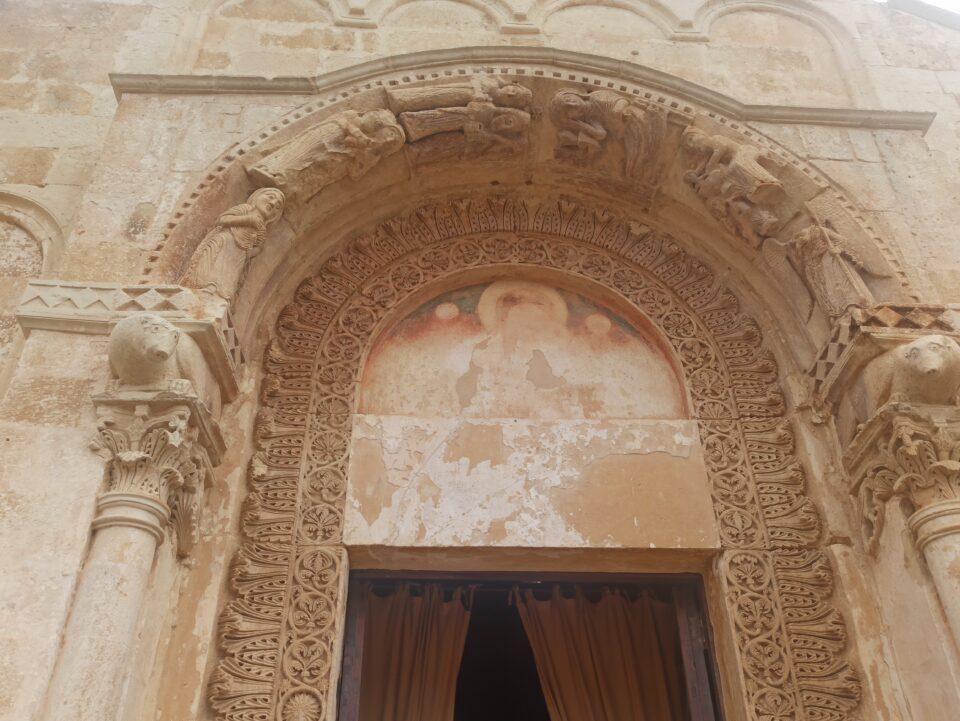 Portale della chiesa - Abbazia di Cerrate